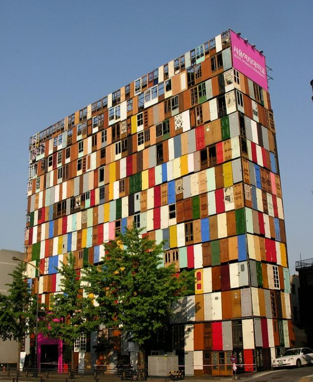 Das Gebäude von 1000 Türen
