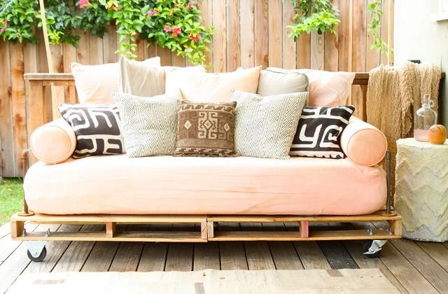Ein Do It Yourself Sofa Aus Alten Matratzen