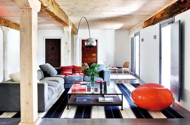 Das Haus auf moderne und rustikale Weise einrichten