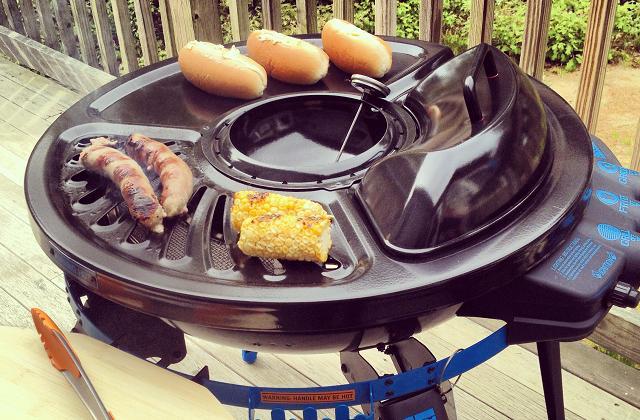 Tragbarer Grill mit eingebauter Fritteuse