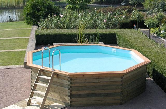 Erhobenes Schwimmbad, Spiel und Spaß garantiert