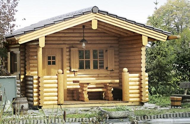 Holzgartenhäuschen: bequem und praktisch
