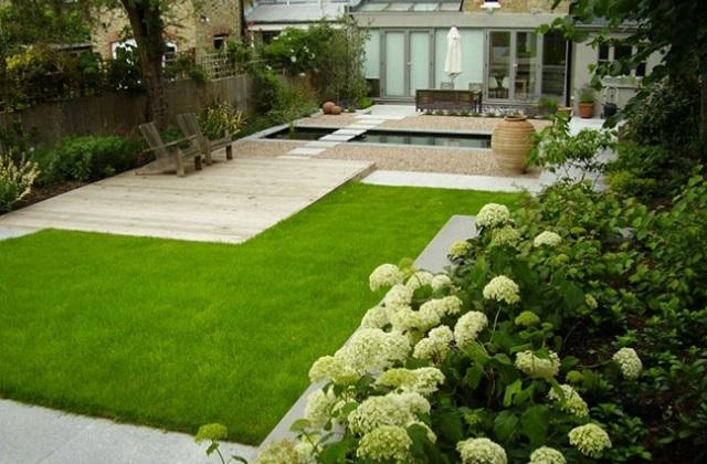 Wie richtet man einen kleinen Garten ein, damit er größer wirkt