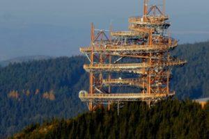 Auf dem Dach der Welt laufen mit der Dolni Morova Sky Walk