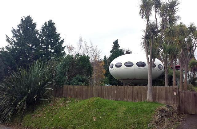 In Neuseeland gibt es ein ufoförmiges Haus