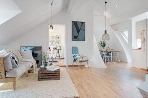Wie man einen Dachboden einrichtet; die Open-Space Lösung