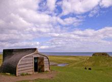 Lindisfarne: Die Insel wo die Häuser aus alten Fischerbooten gemacht werden